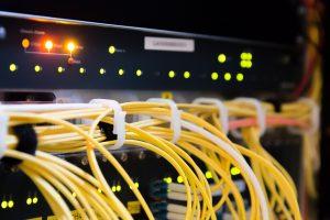 Kabel im Serverraum